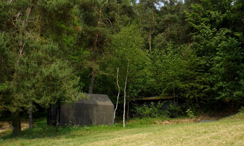 Asphaltkapelle und Ambiente