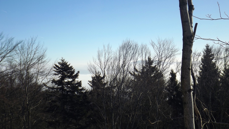Wolken über der bayerischen Schwarzach
