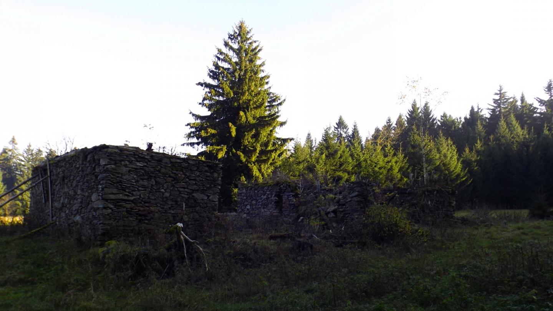 Überreste eines zweiten Hauses