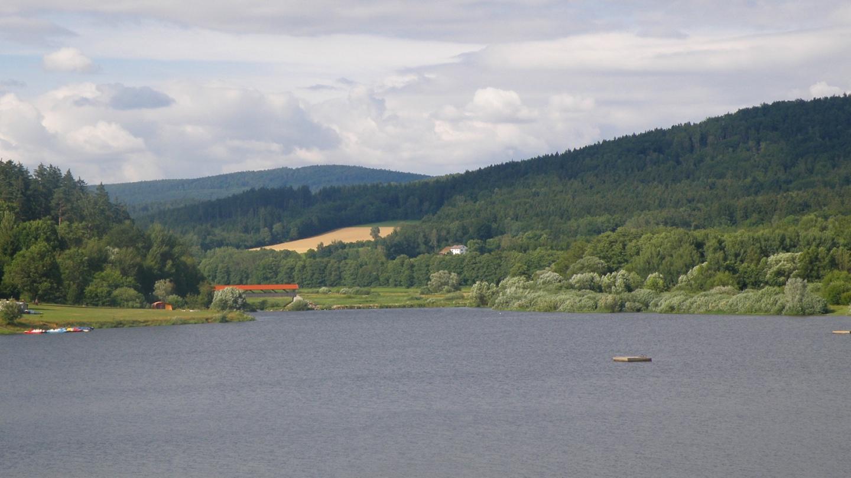 Sádek hinter dem Perlsee
