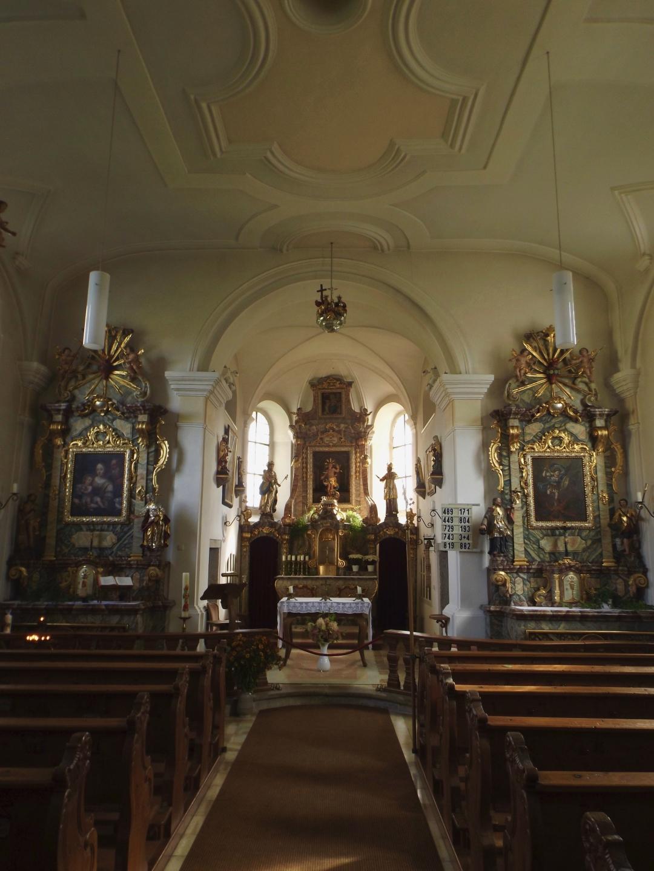 Kircheninterieur