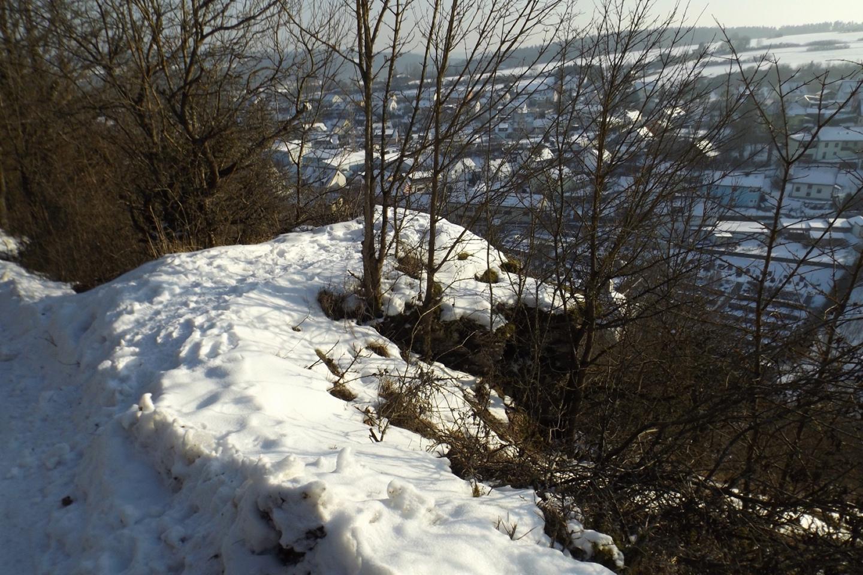 Aussichtsfelsen, vielleicht früher Teil des Burgtores
