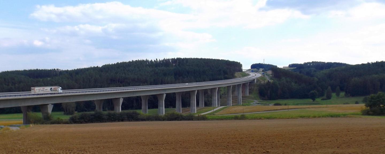 Autobahnen sind ja wirklich notwendig, aber unbedingt durch diesen Teil des Oberpfälzer Waldes?