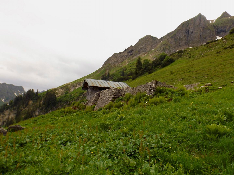 Gündleshütte mit angrenzender Ruine