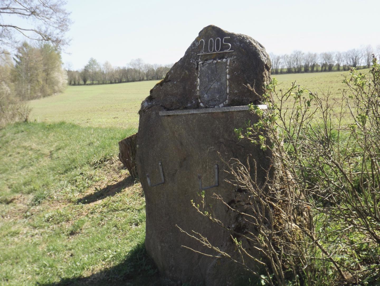 Noch ein Gedenkstein bei Pirkhof
