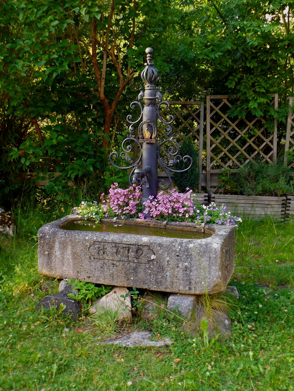 Schöner alter Brunnen