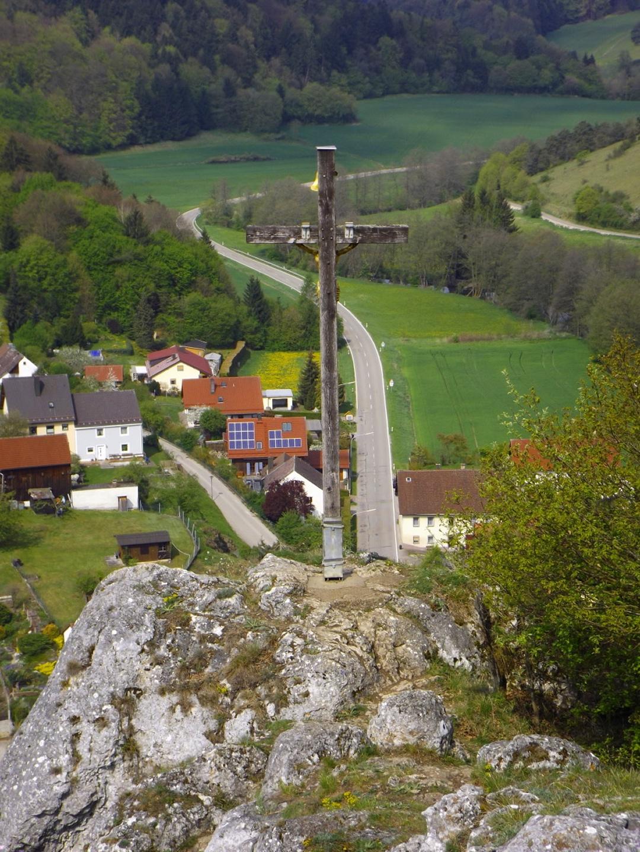 Das Kreuz steht eindeutig NICHT am Gipfel!