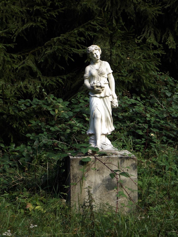 Gartenstatue im ehemaligen Hotel Jägerhof