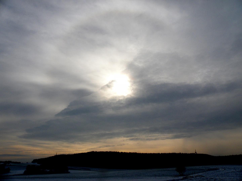 Gestern war das Wolkenloch deutlicher