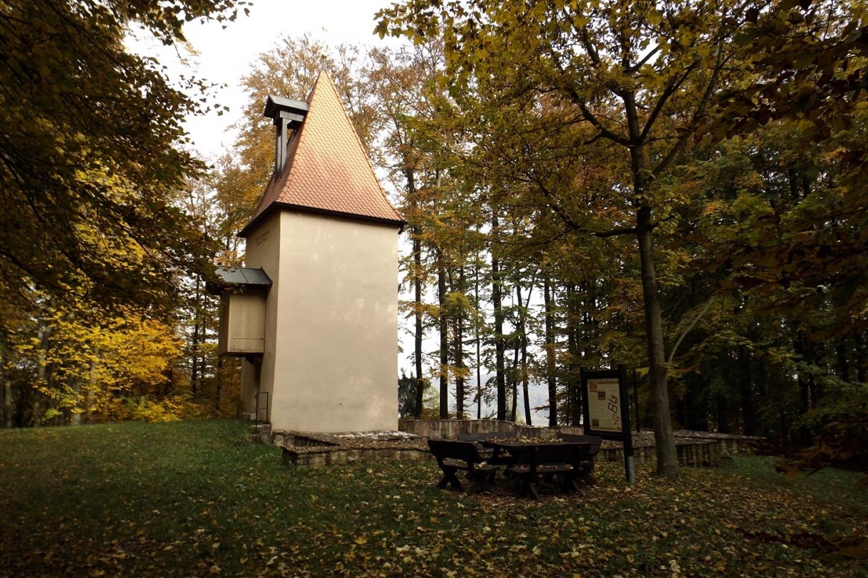 Kapellenruine mit Turm