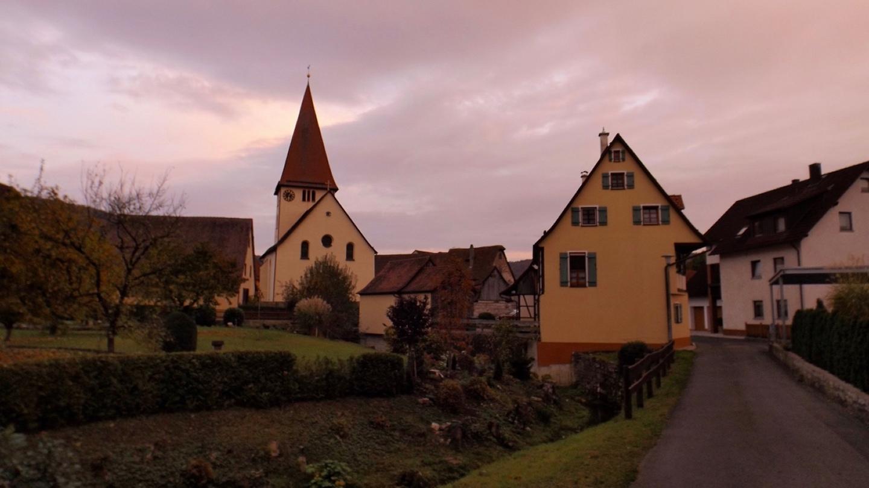 Kirche und Mühle