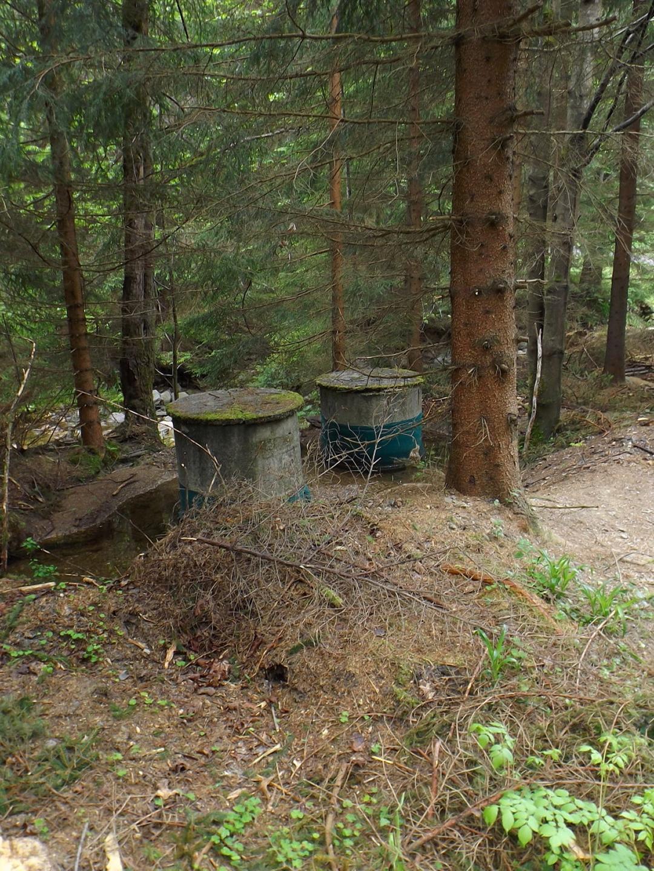 Brunnenschächte am Bílý potok