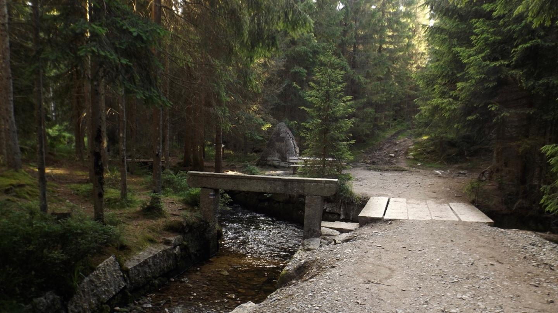 Rosenauerdenkmal am Beginn des Schwarzenbergkanals