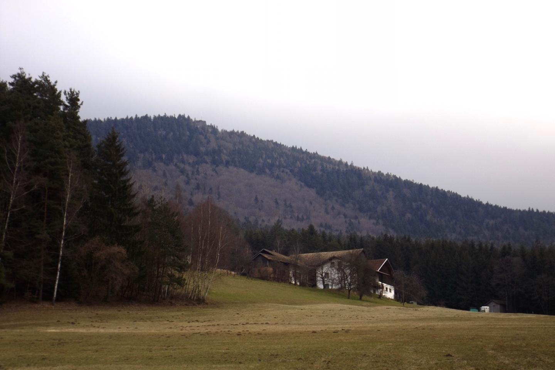 Maiberg vor dem Kreuzfelsen
