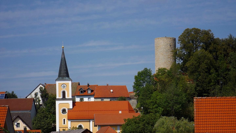 Kirche und Burgruine Thanstein